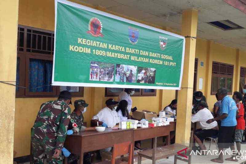 Dampak Penyerangan KKB di Maybrat, Anggota TNI AD Lakukan Ini untuk Warga yang Mengungsi